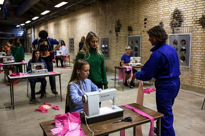 Anmeldelse: Arbejd Arbejd, Seimi Nørregaard (performanceinstallation)