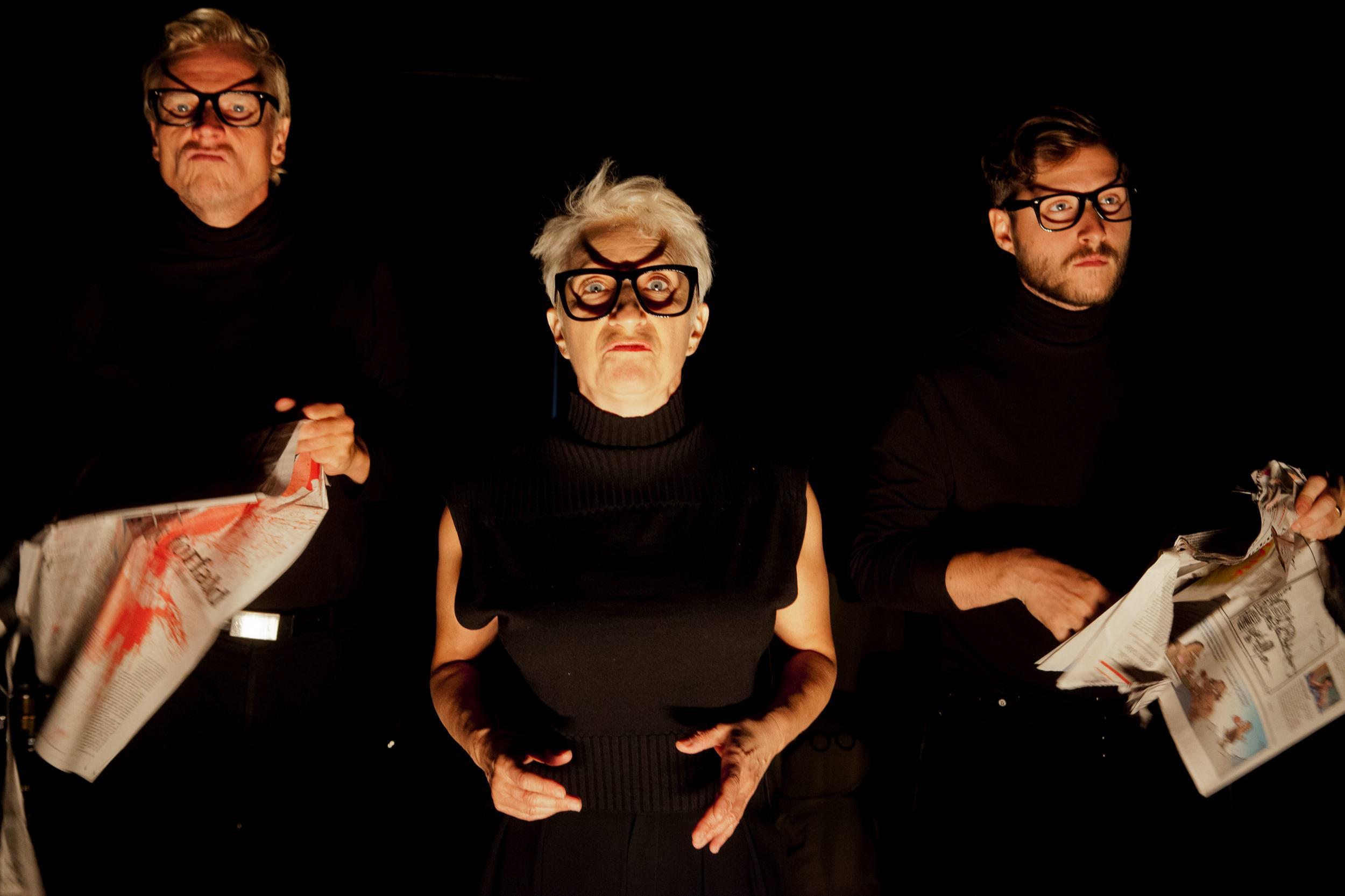 Anmeldelse: Fandens Oldemor, Teater V (Off Off/Produktion)
