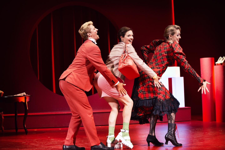Anmeldelse: Den vægelsindede, Odense Teater