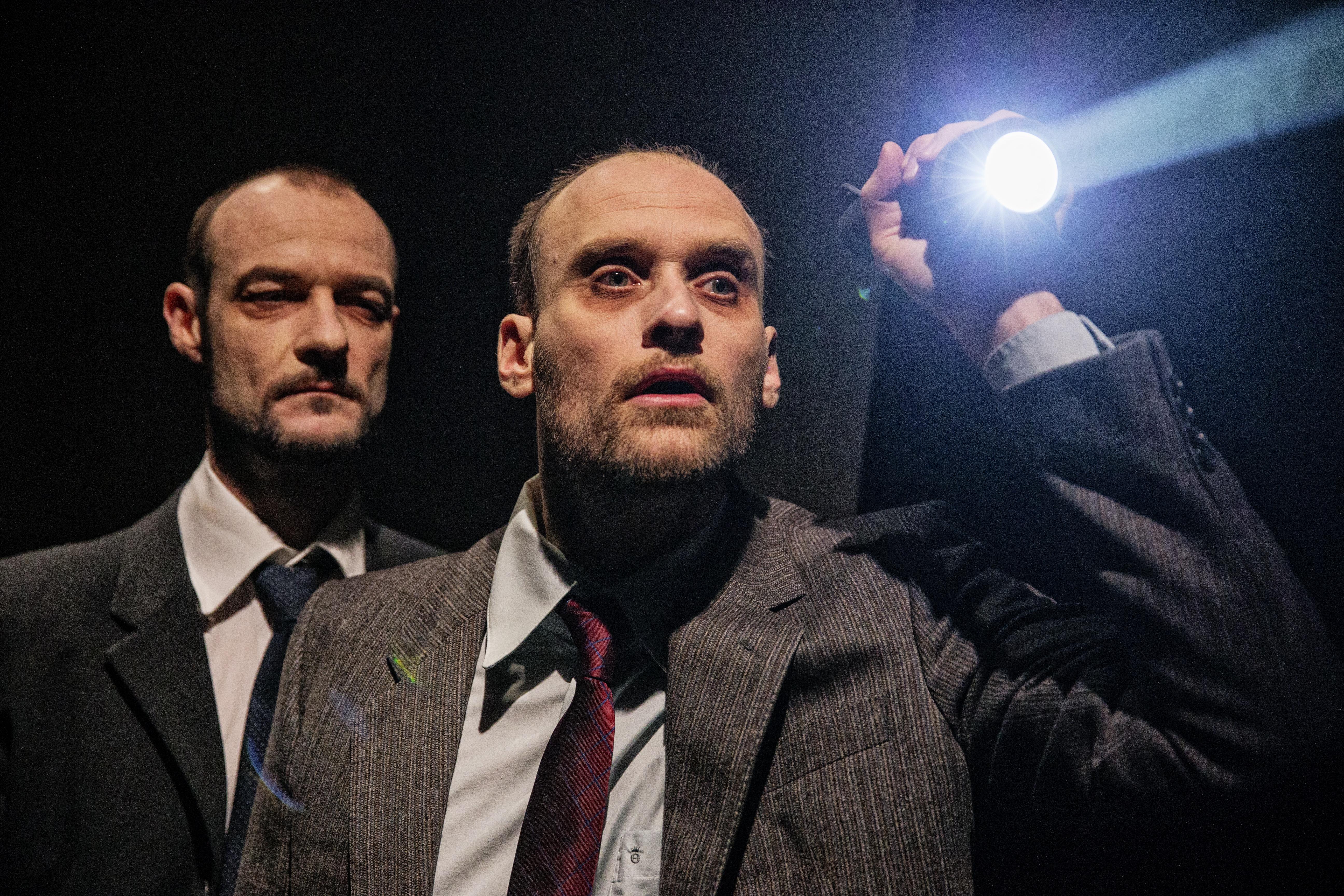 Anmeldelse: TRANSIT, Teatret Svalegangen (Von Baden)