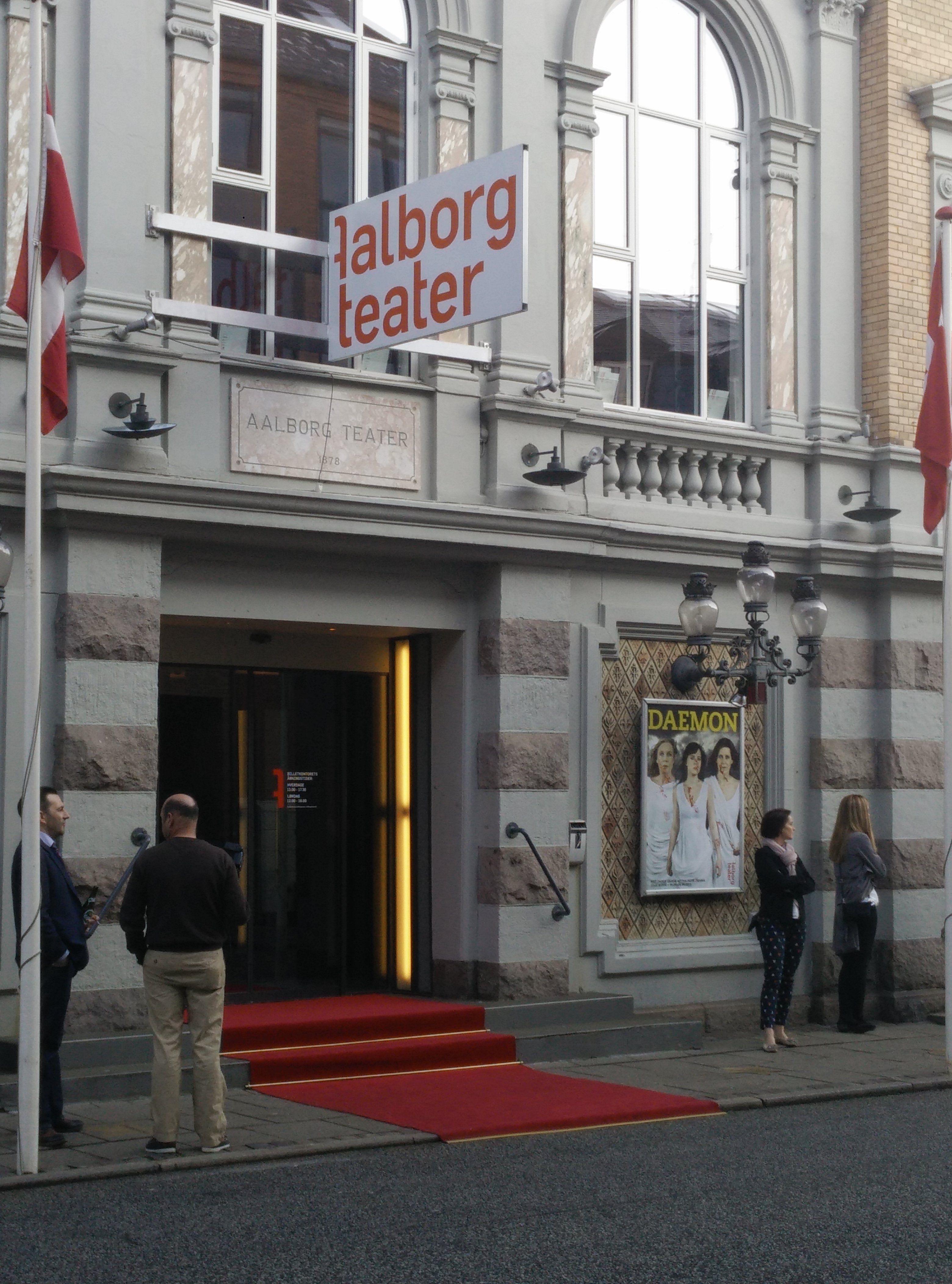 Teaterblik: Ungt Teaterblod fylder 1 år!