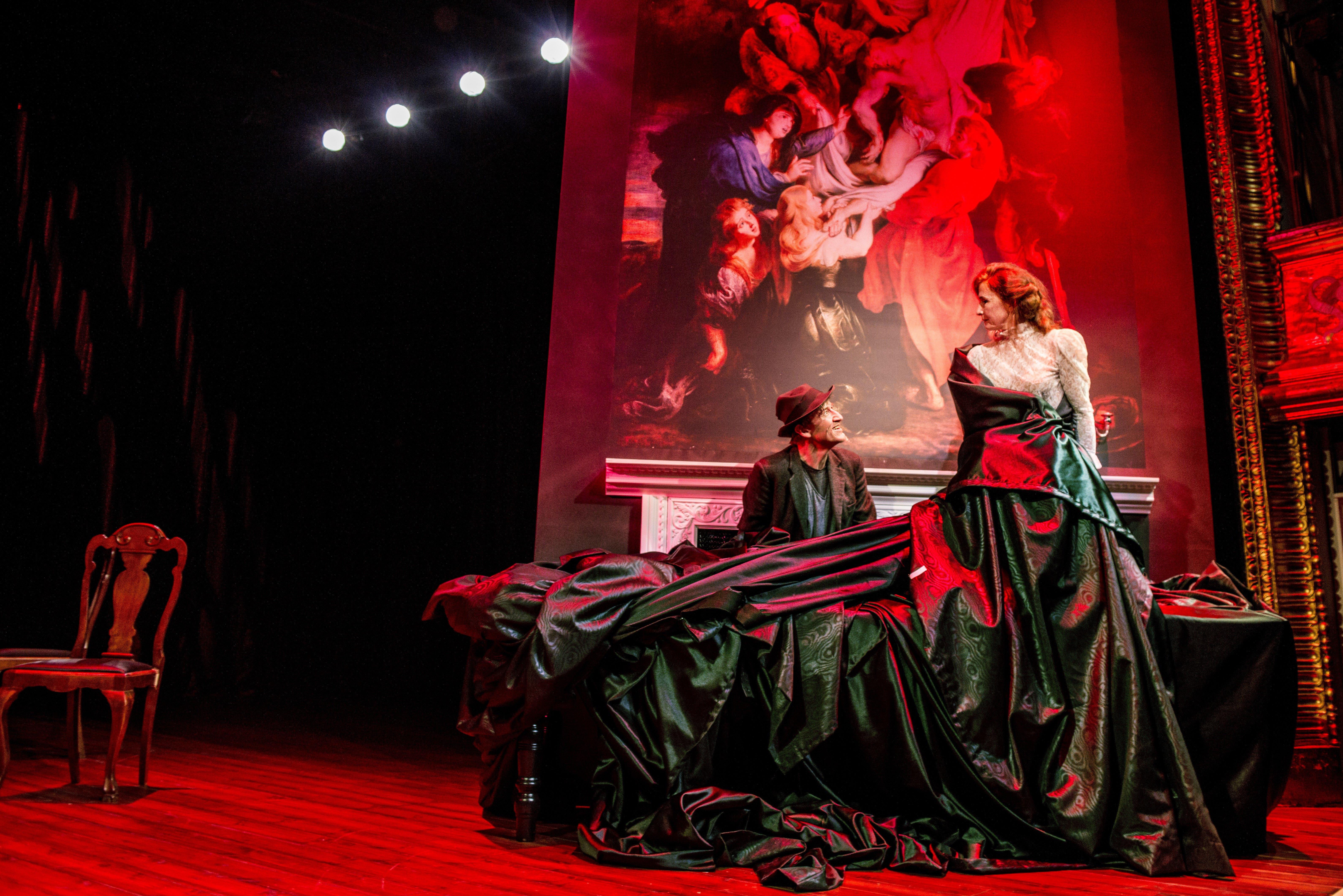 Anmeldelse: Tartuffe, Betty Nansen Teatret
