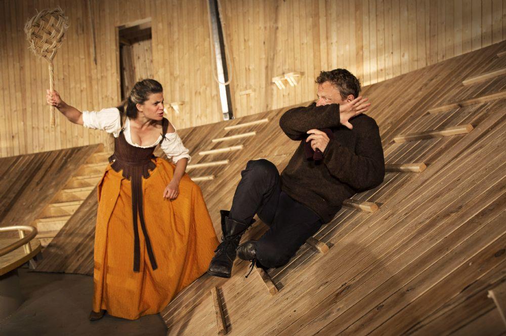 Anmeldelse: Jeppe på Bjerget, Grønnegårds Teatret