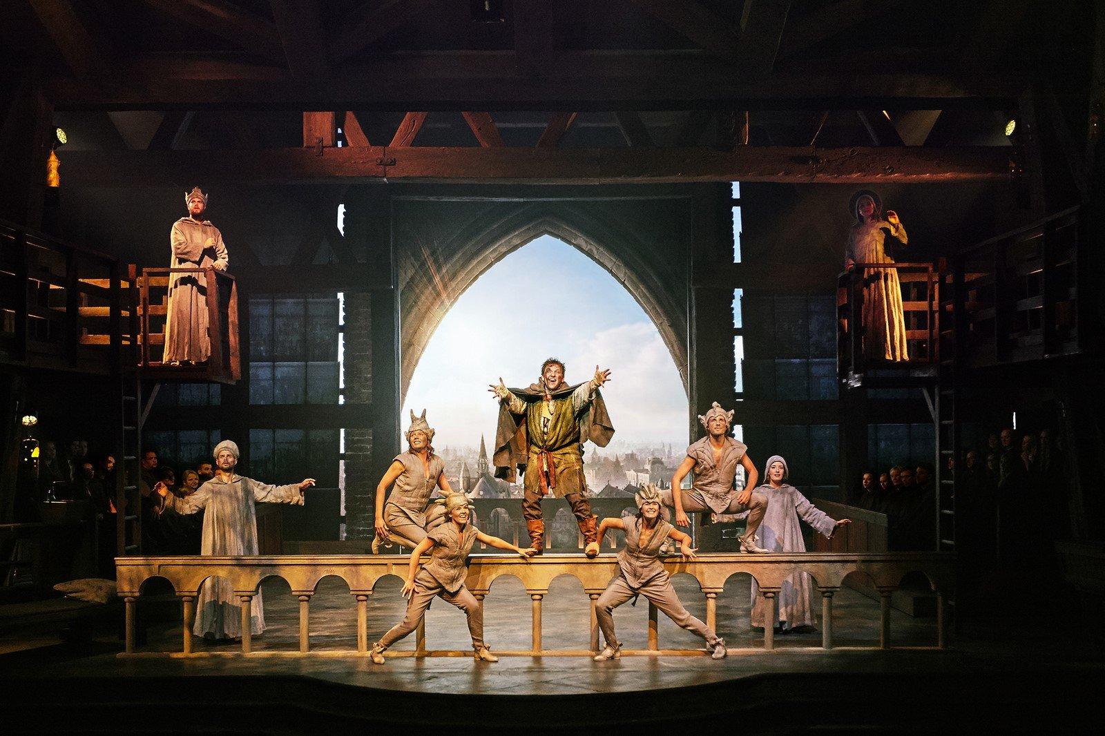 Anmeldelse: Klokkeren fra Notre Dame, Fredericia Teater
