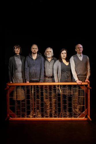 Anmeldelse: Lev menneske, Odense Teater