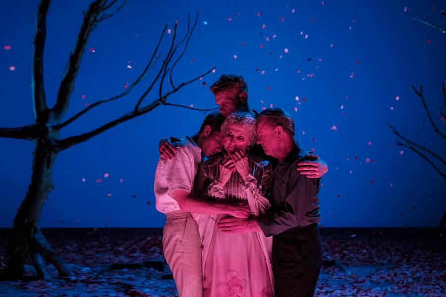 Anmeldelse: Lang dags rejse mod nat, Det Kongelige Teater