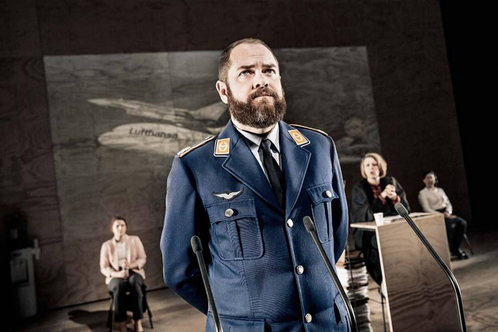 Anmeldelse: Terror, Det Kongelige Teater