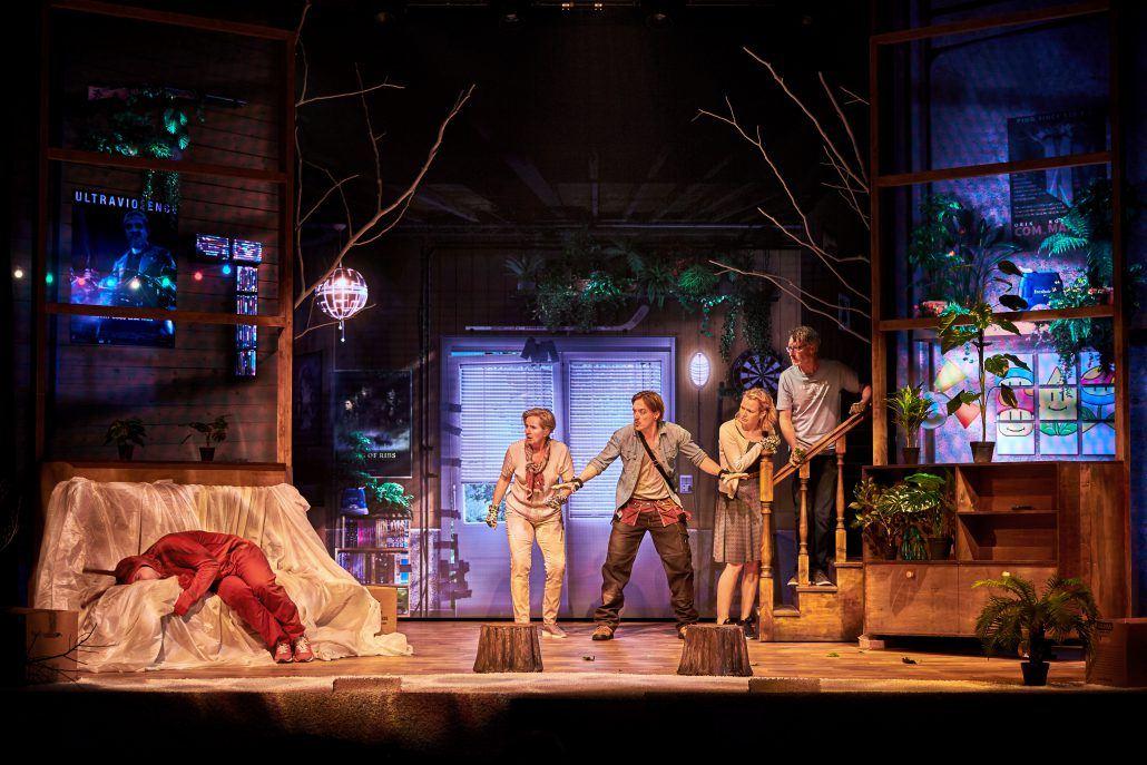 Anmeldelse: Problemet med Douglas, Fredericia Teater