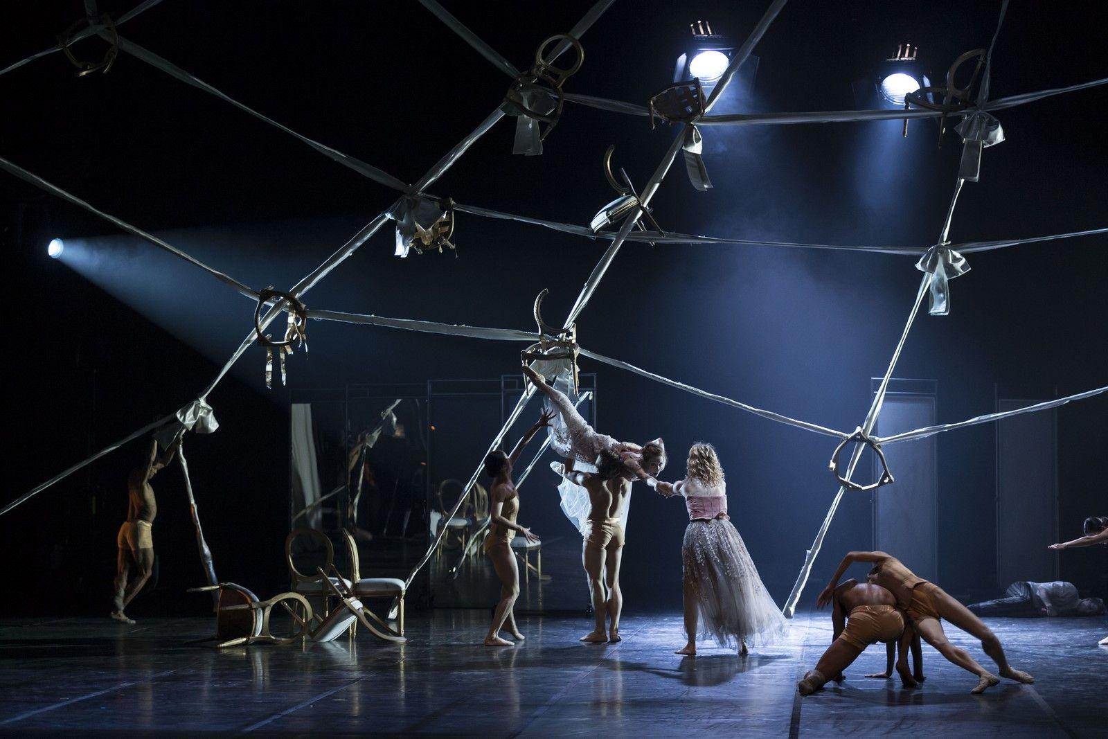 Anmeldelse: Farlige forbindelser, Det Kongelige Teater