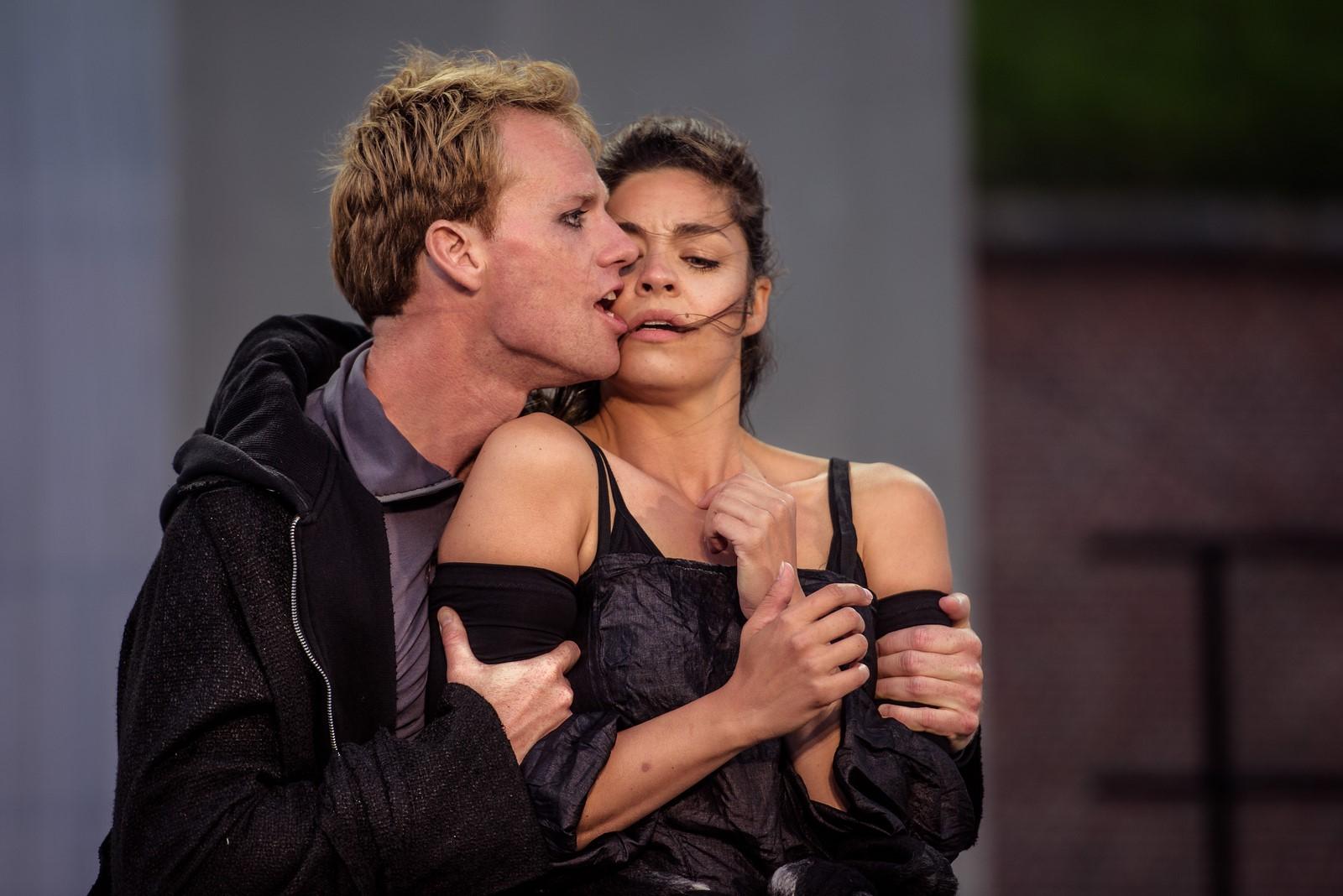 Anmeldelse: Hamlet, Kronborg (HamletScenen i samarbejde med London Toast Theatre)