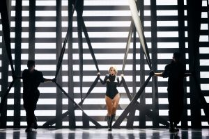 Entourage3-Madonna_1 [1600x1200]