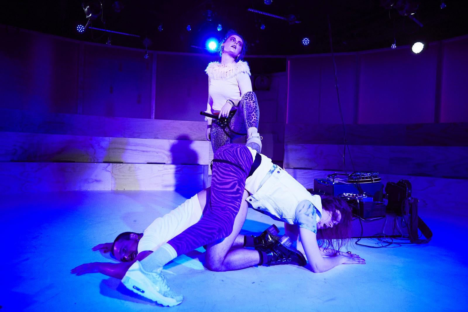 Anmeldelse: Momentet, Aarhus Teater