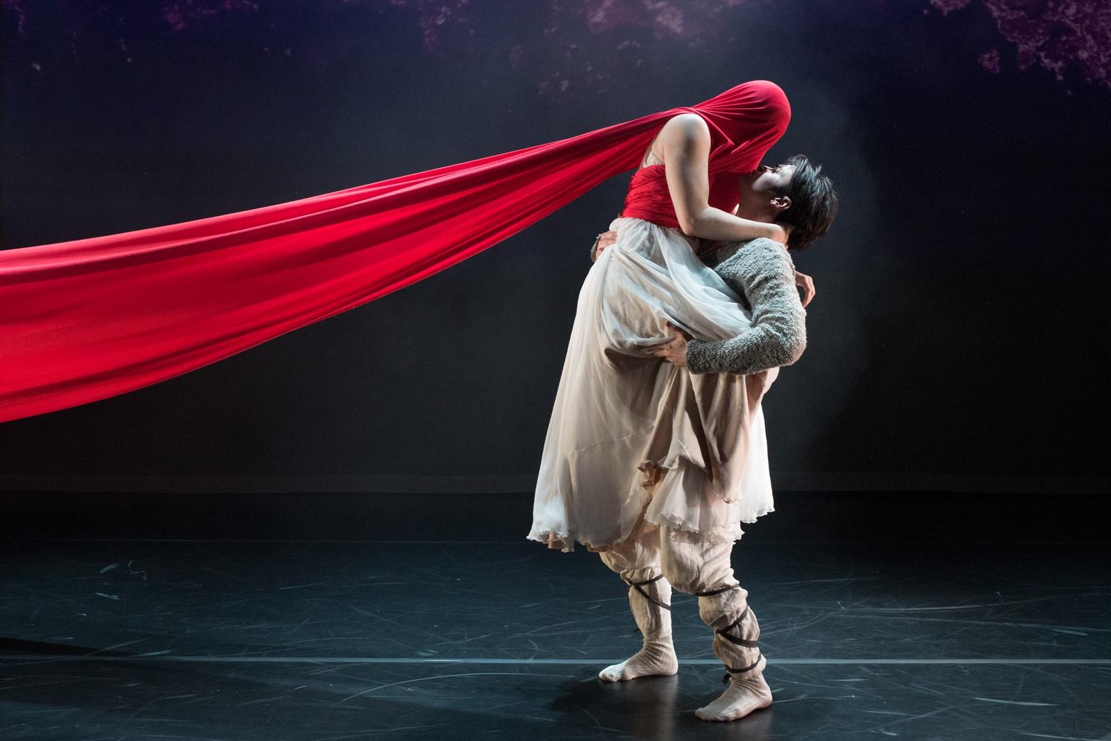Anmeldelse: Orfeus og Eurydike, Dansekapellet (Meridiano Teatret, Uppercut Danseteater, NordicOpera og Den Fynske Opera)
