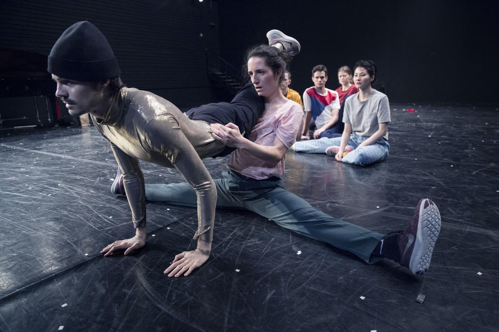 Anmeldelse: It Finishes when it Finishes, Det Kongelige Teater (Corpus og Mandafounis)