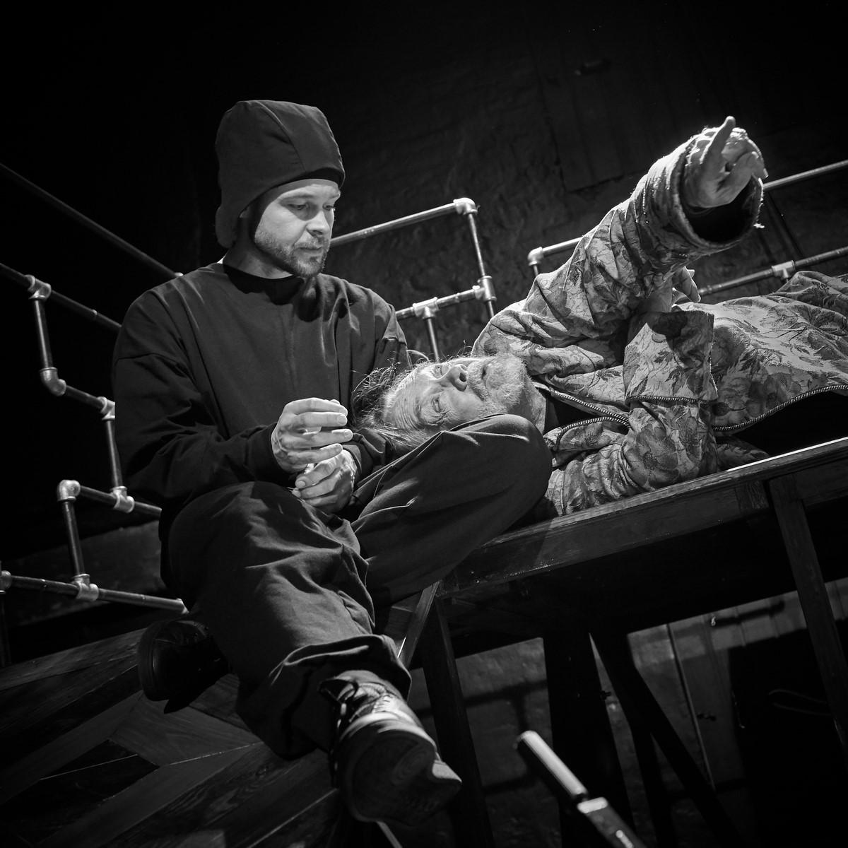 Anmeldelse: King Lear, Teater V (Teatret Møllen og »Teatret«/Hans Rønne)