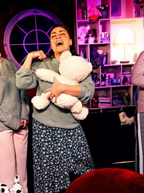Mødre-Lykke Sand, Mathilde Norholt, Szhirley og Julie R. Ølgaard. Fotograf Gudmund Thai [1600x1200]