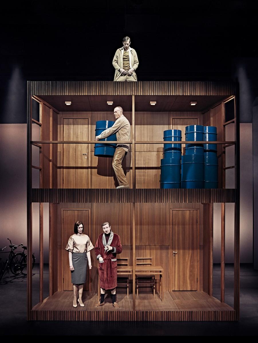 Anmeldelse: Biedermann og brandstifterne, Aarhus Teater