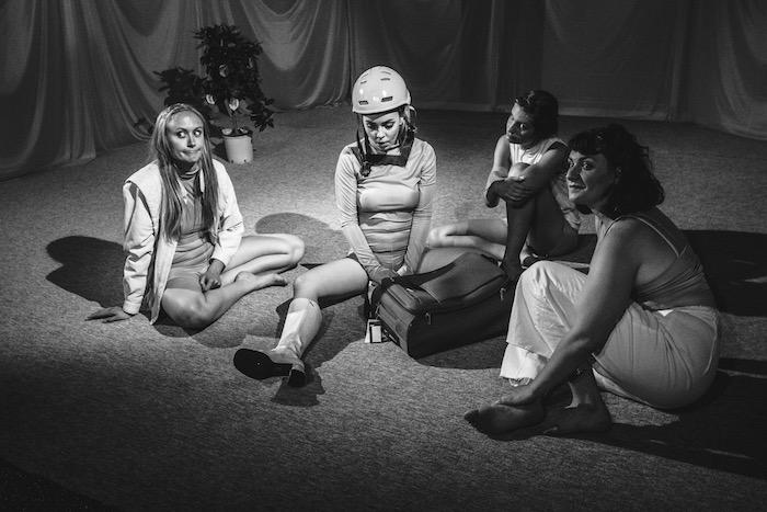 Anmeldelse: Kussesumpen, Teatret ved Sorte Hest