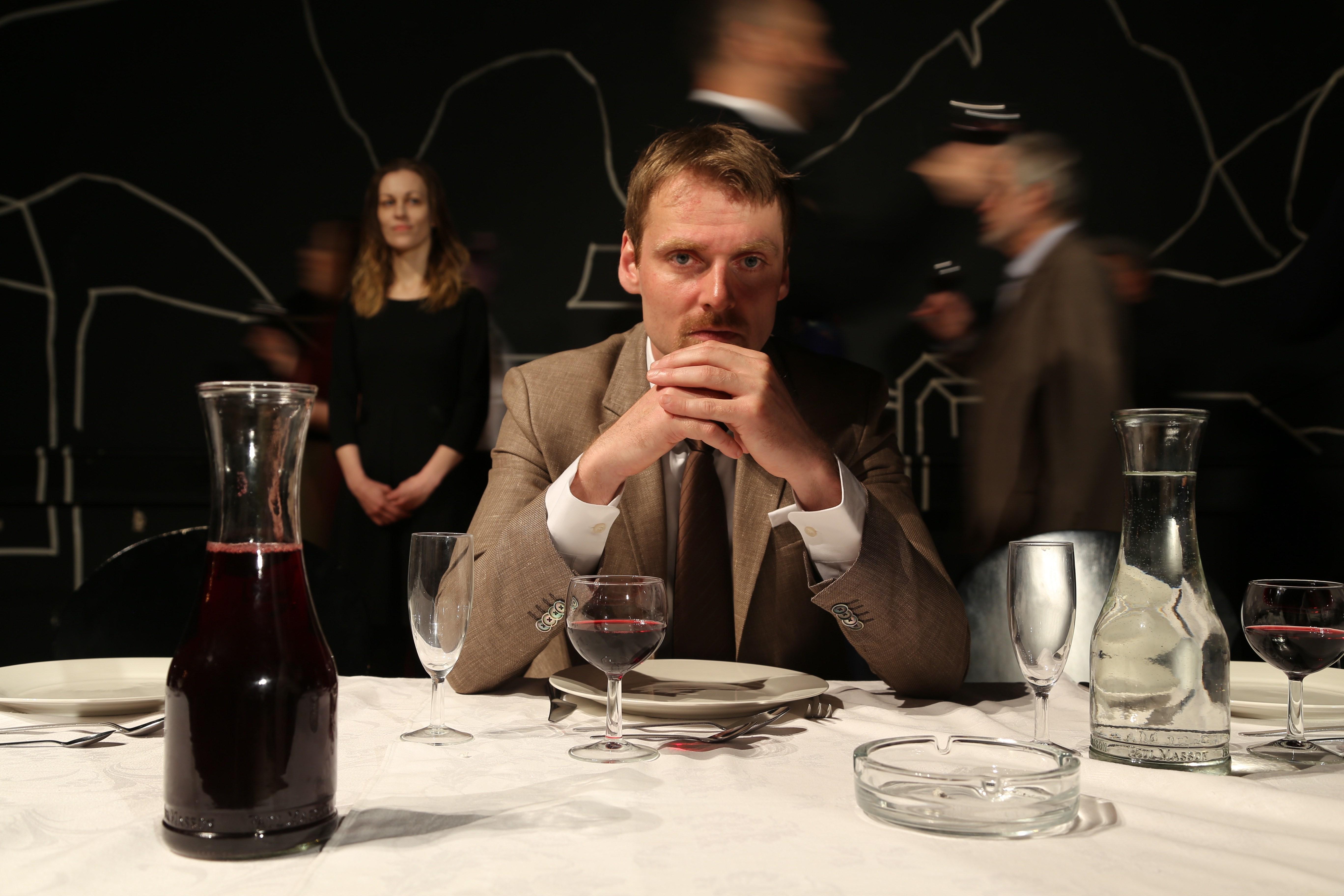 Anmeldelse: Veitsland alias Festen, Betty Nansen Teatret