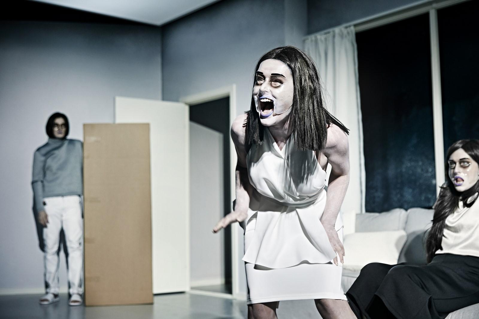 Anmeldelse: Revolution, Godsbanen (Aarhus Teater og Sort/Hvid)