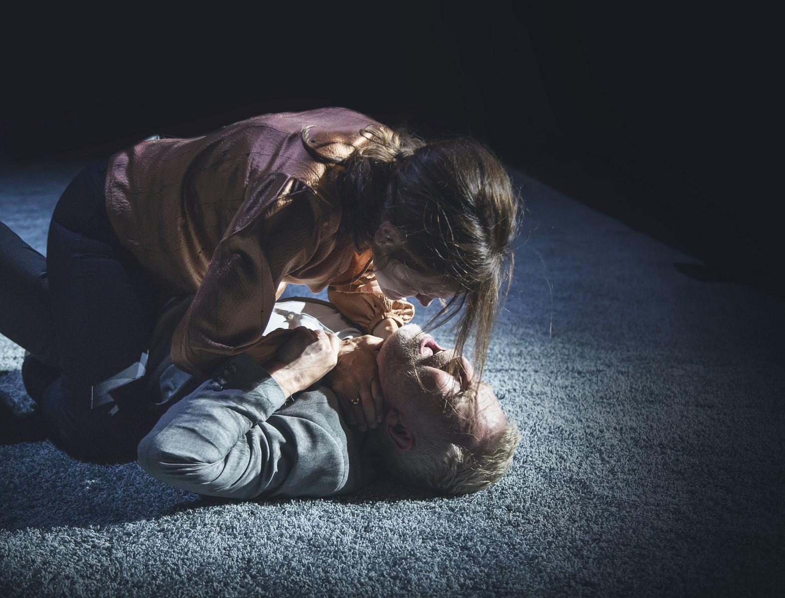 Anmeldelse: Scener fra et ægteskab, Det Kongelige Teater