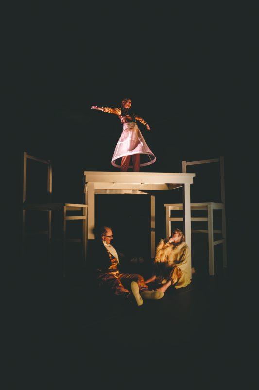 Anmeldelse: TOM, BaggårdTeatret (Odense Teater, BengtssonSydow og BaggårdTeatret)