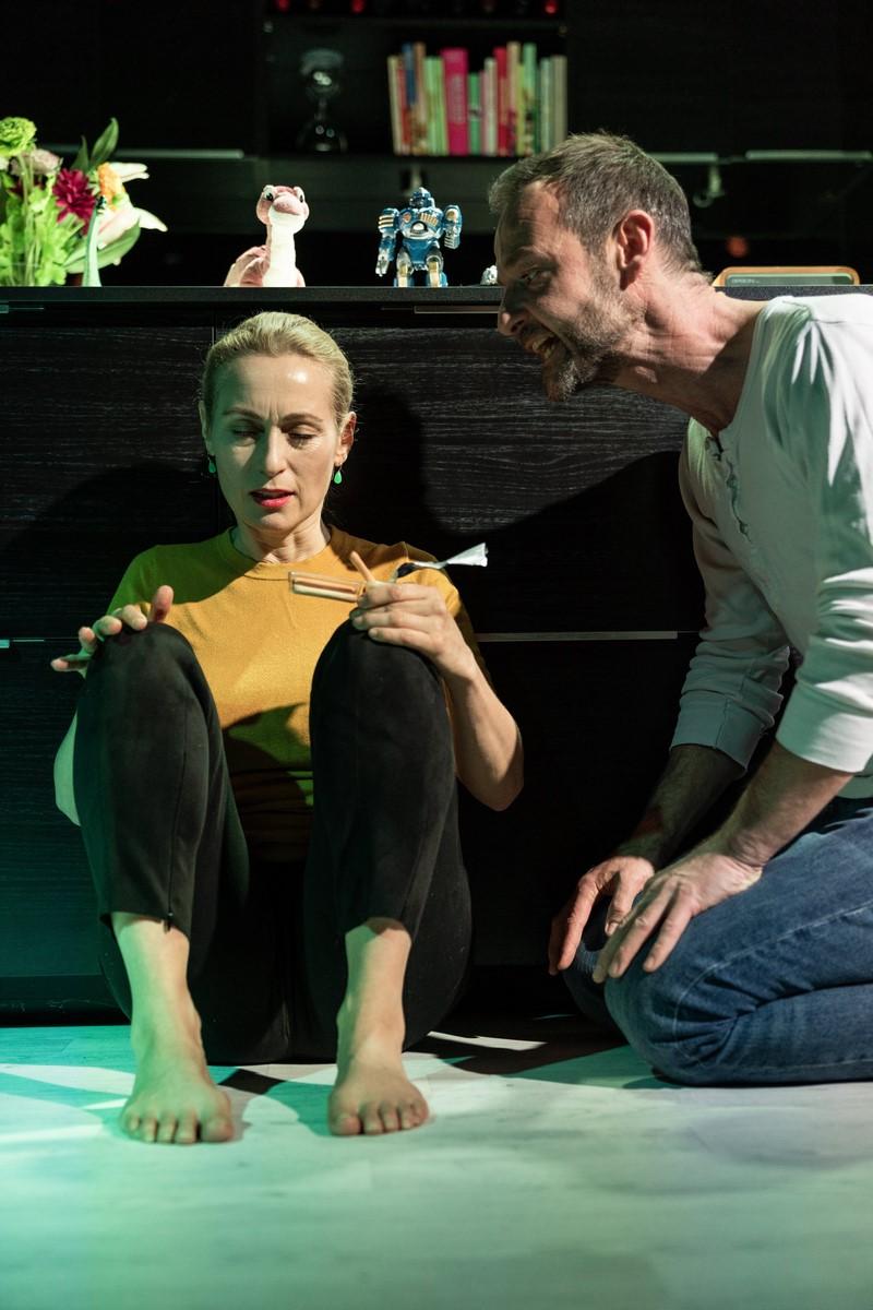 Anmeldelse: Sammensværgelse, Teatret Svalegangen (Von Baden)