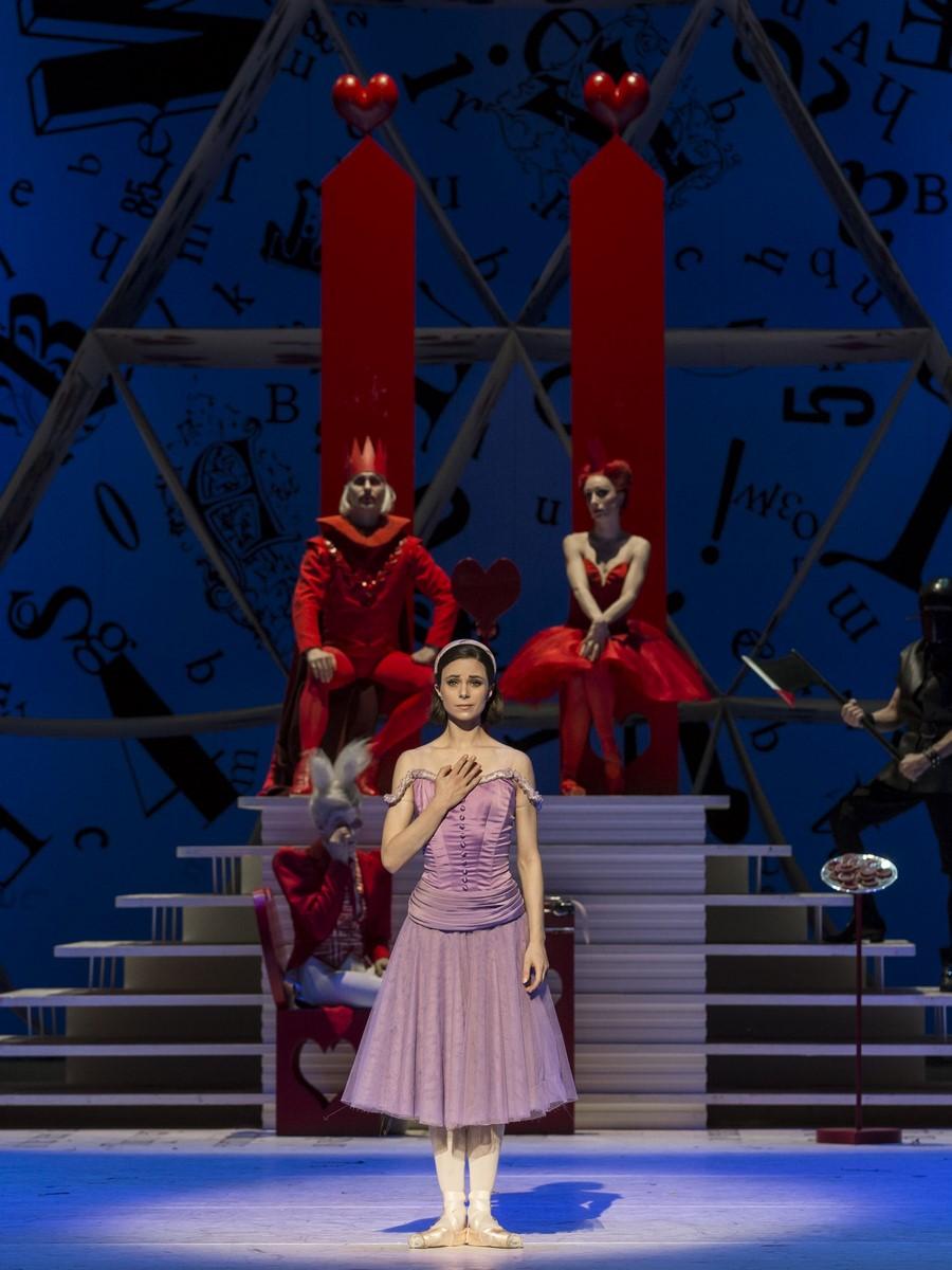 Anmeldelse: Alice i Eventyrland, Det Kongelige Teater