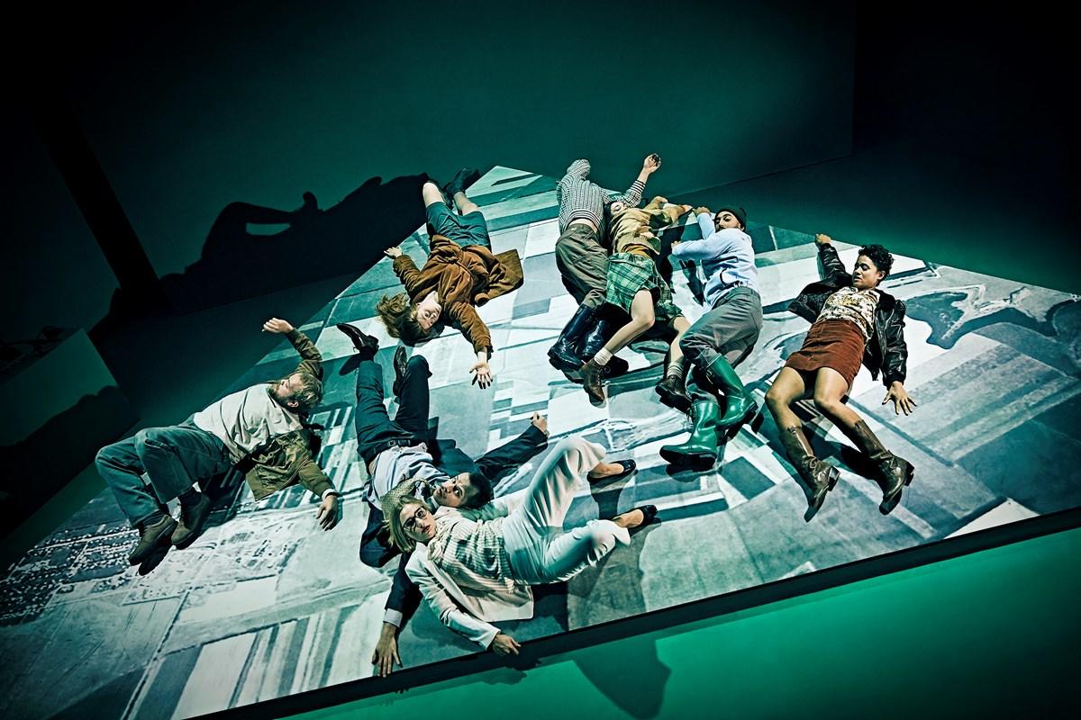 Anmeldelse: Brænding, Aarhus Teater (Den Danske Scenekunstskole)