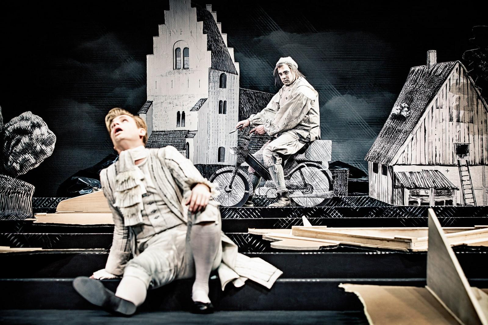 Anmeldelse: Erasmus Montanus, Østre Gasværk Teater (Aarhus Teater og Sort/Hvid)