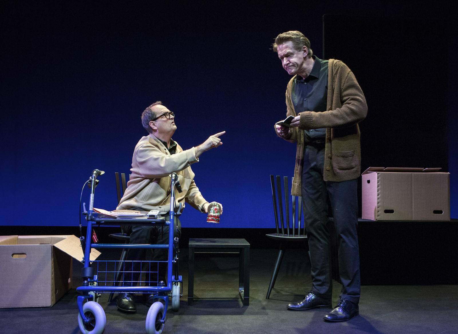 Anmeldelse: Livet – hvor svært ka' det være?, Teatret Svalegangen (Folketeatret og Aarhus Teater)