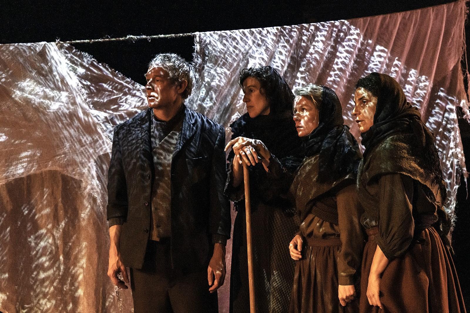 Anmeldelse: Salt, Aalborg Teater (Det Olske Teater)