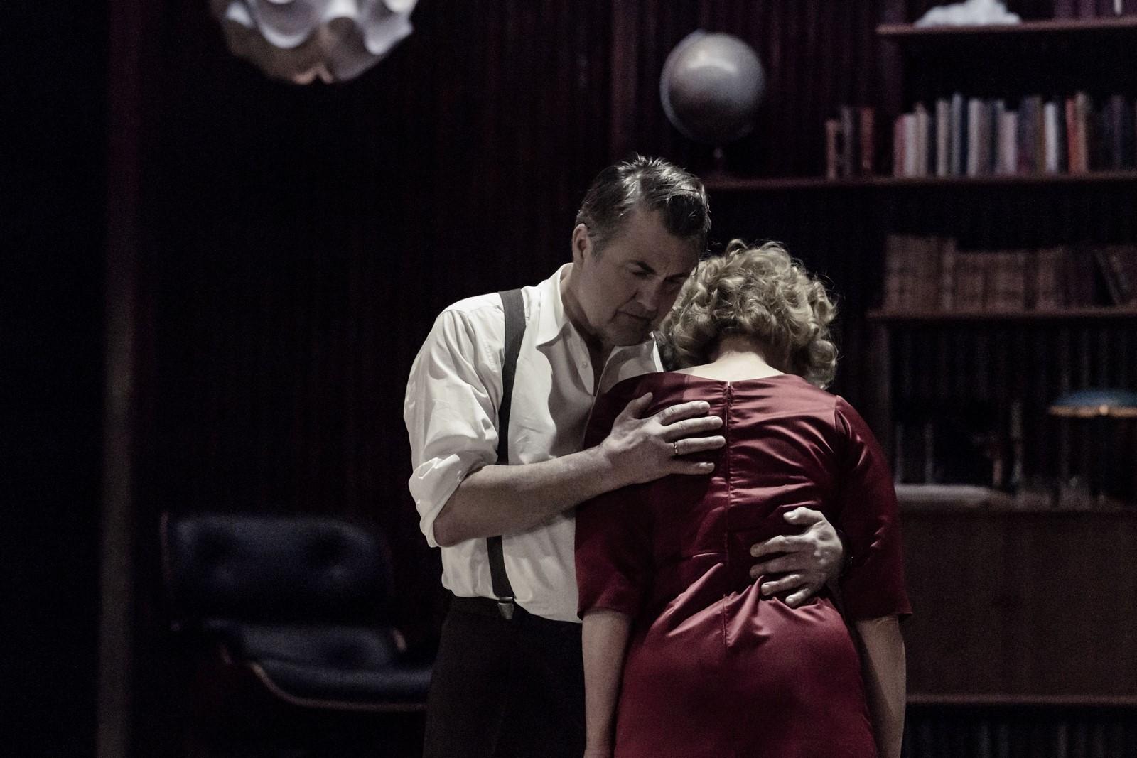 Anmeldelse: Hvem er bange for Virginia Woolf?, Det Kongelige Teater
