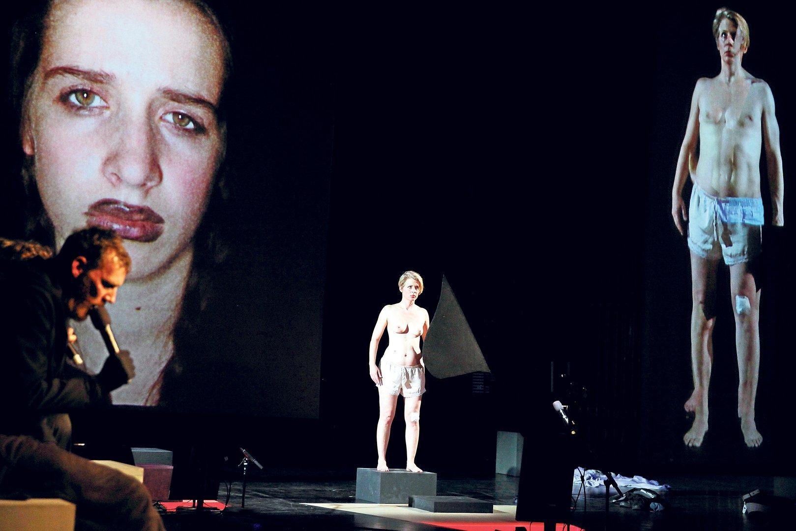 Anmeldelse: 50 Grades of Shame, Nørrebro Teater (She She Pop)
