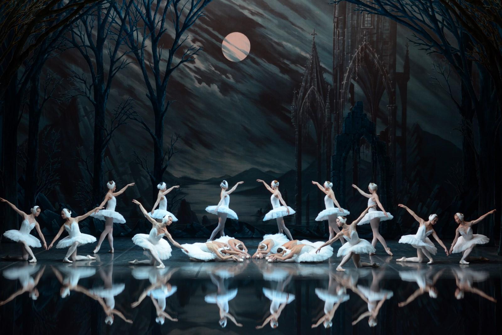 Anmeldelse: Svanesøen, Det Ny Teater (St. Petersburg Ballet Theatre)