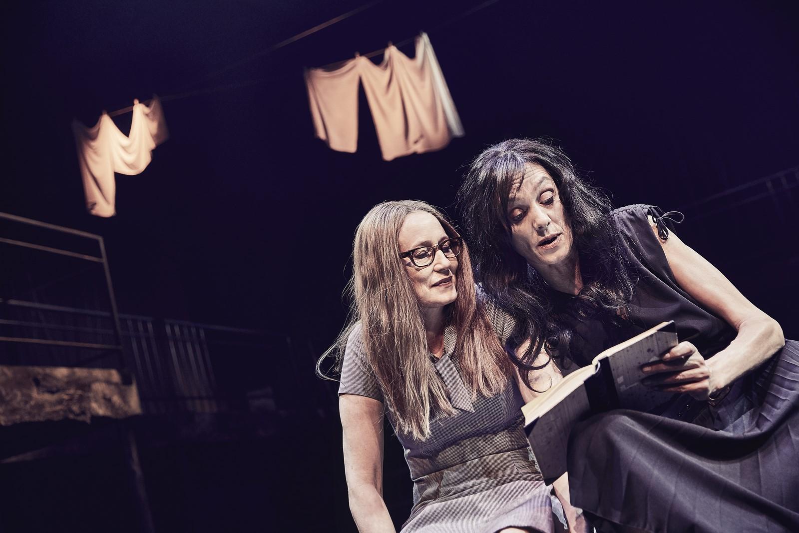 Anmeldelse: Min geniale veninde, Del 1 og Del 2, Odense Teater