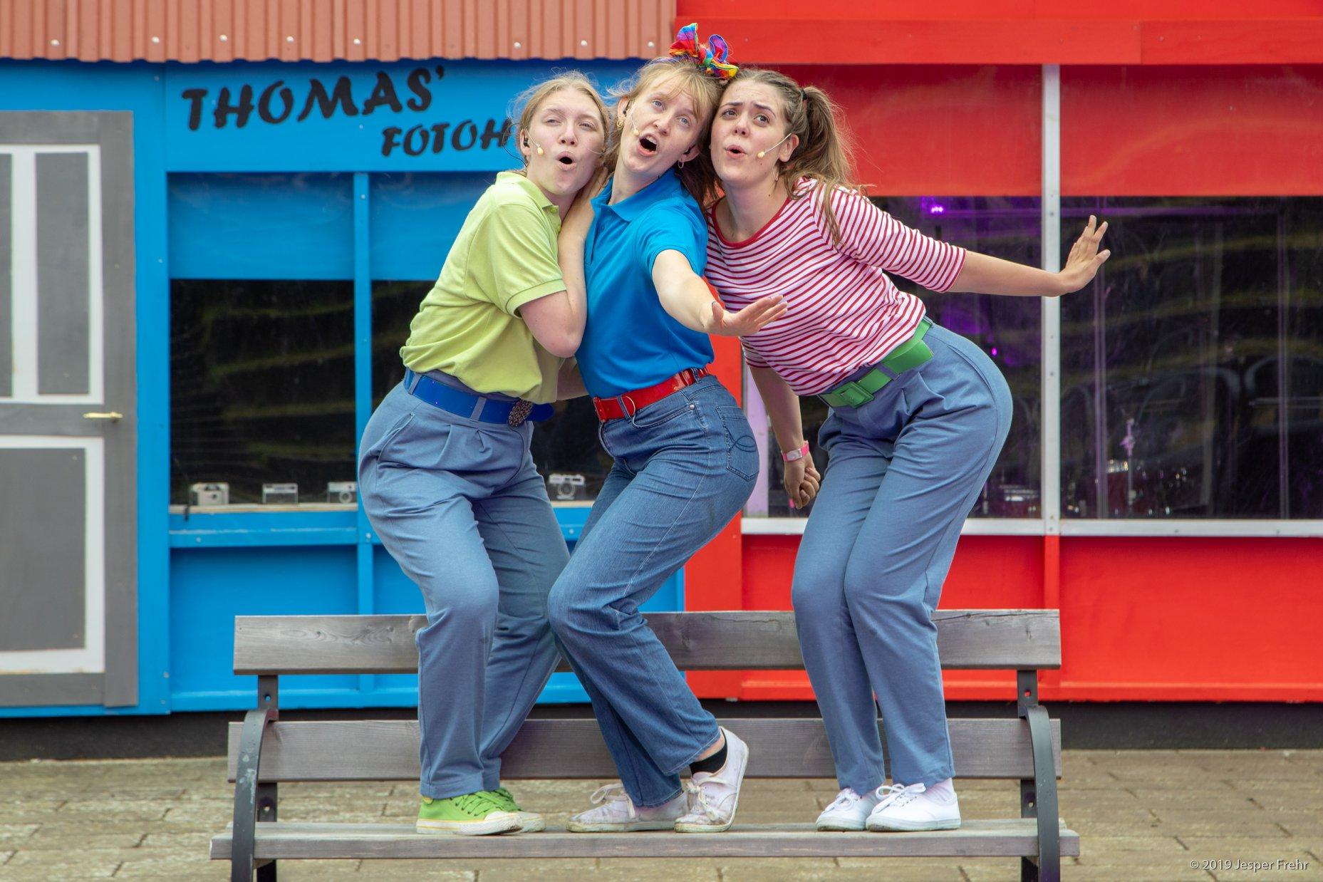 Anmeldelse: Vi maler byen rød: The musical, Dronning Dorthea Teatret