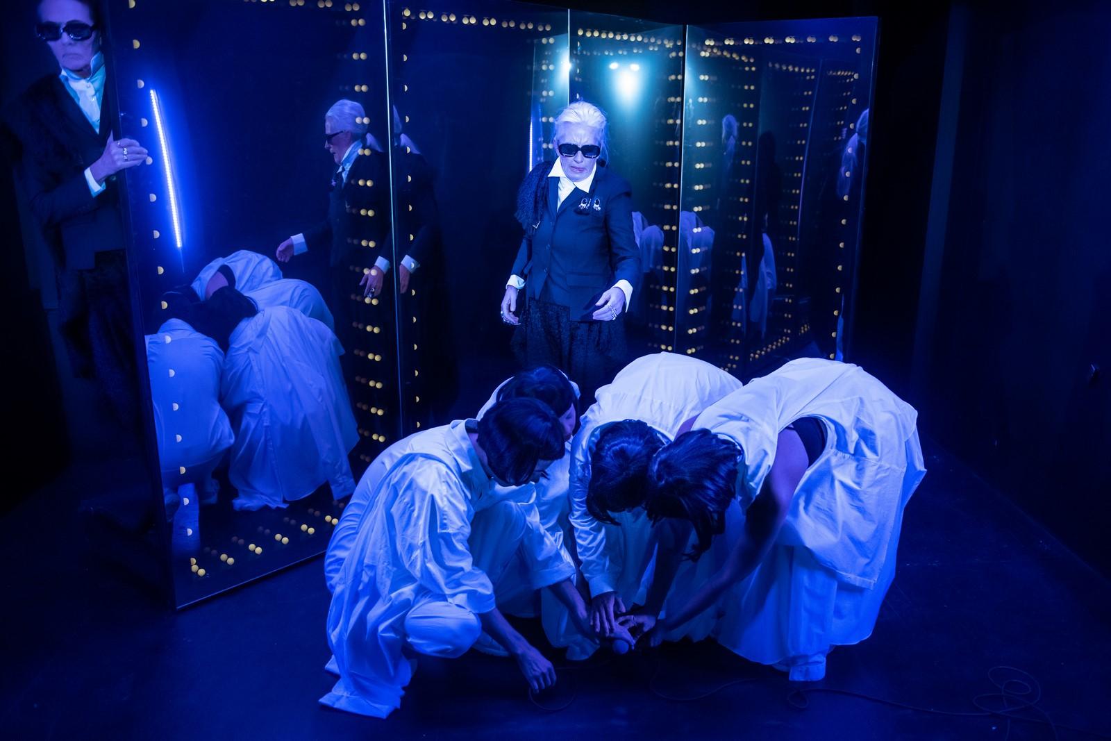 Anmeldelse: Fashion – et fix af forførelse, Teater Får302 (Teater Får302 & Theatre Academy of Helsinki)