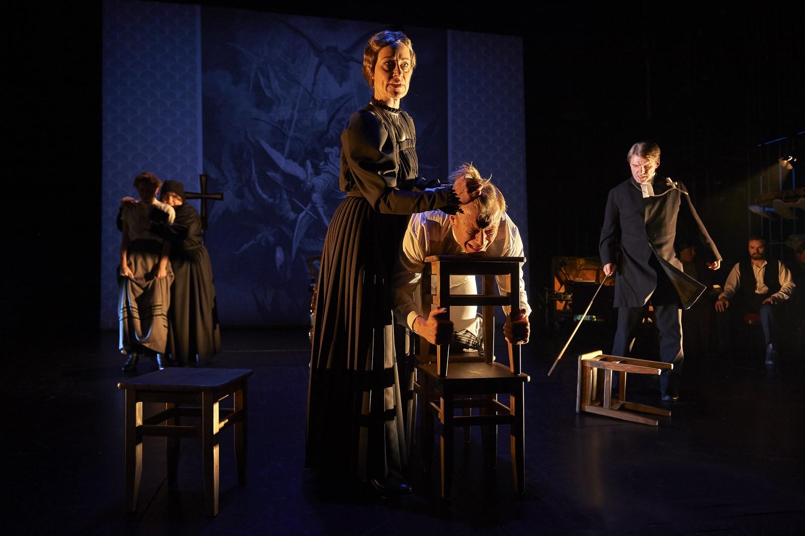 Anmeldelse: Fanny og Alexander, Aalborg Teater