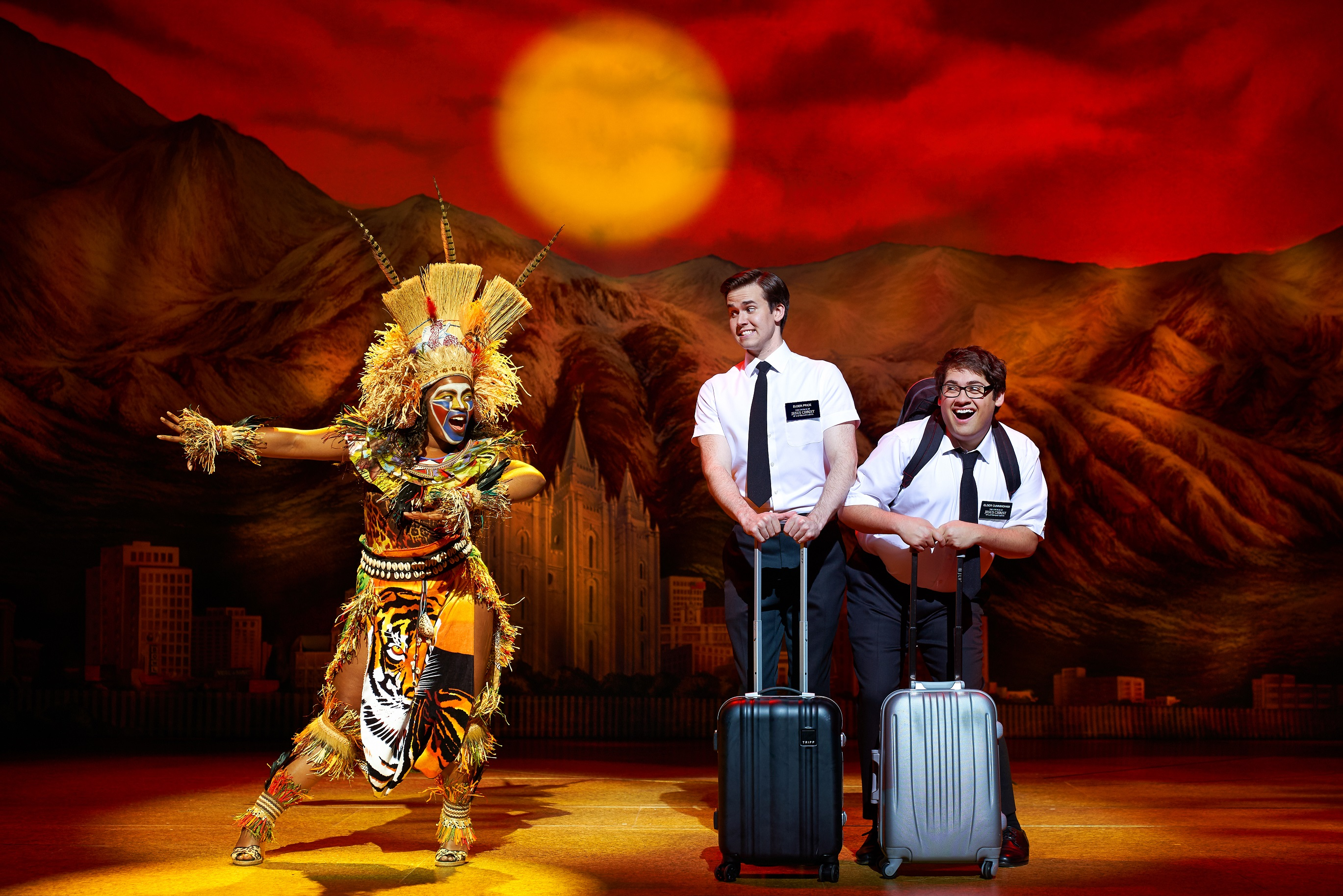 Anmeldelse: The Book of Mormon, Musikhuset Aarhus (Anne Garefino, Scott Rudin, Important Musicals og Sonia Friedman Productions)