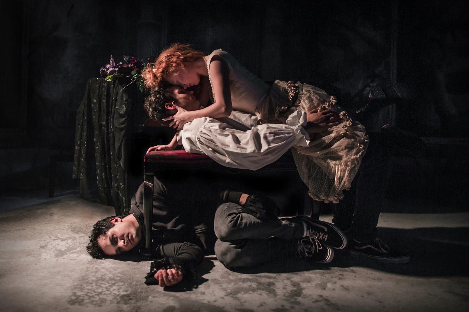 Anmeldelse: denungewertherslidelser, Aarhus Teater (Aarhus Teater og Sort/Hvid)