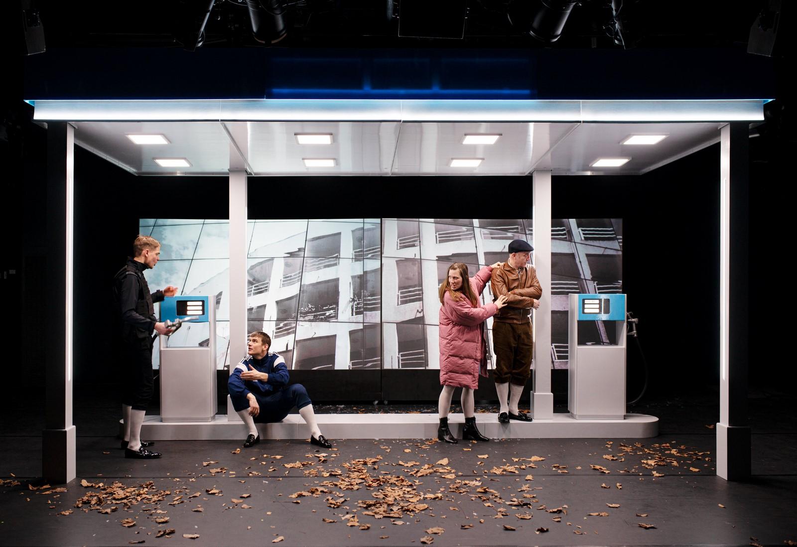 Anmeldelse: De hovedløse, Teater Republique (Mungo Park)