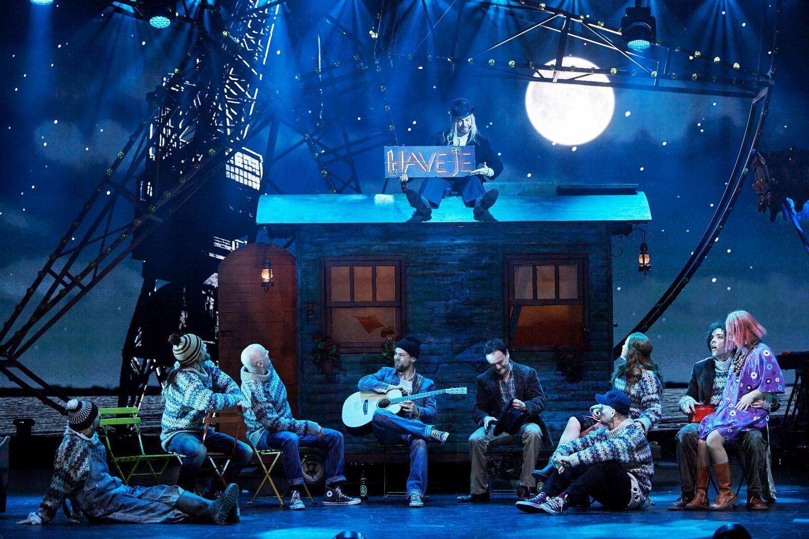 Anmeldelse: Midt om natten (2020), Musikhuset Esbjerg (Tivoli, Langkjær Entertainment og Live Nation)