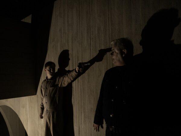 Anmeldelse: En plads i solen, Teatret Svalegangen