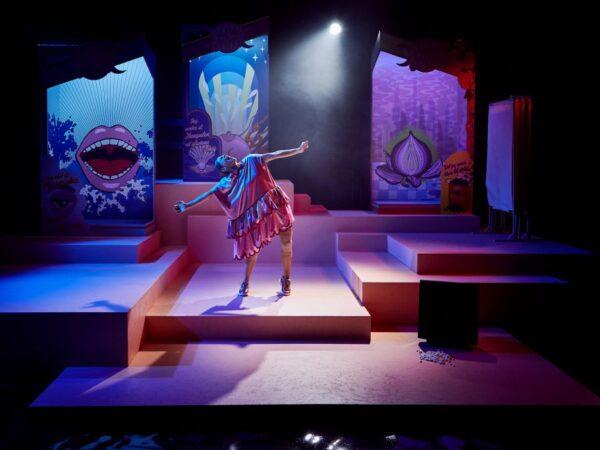 Anmeldelse: Jeg tror, jeg elsker Wonder Woman, Teater Grob (Teater Grob og AKT1)