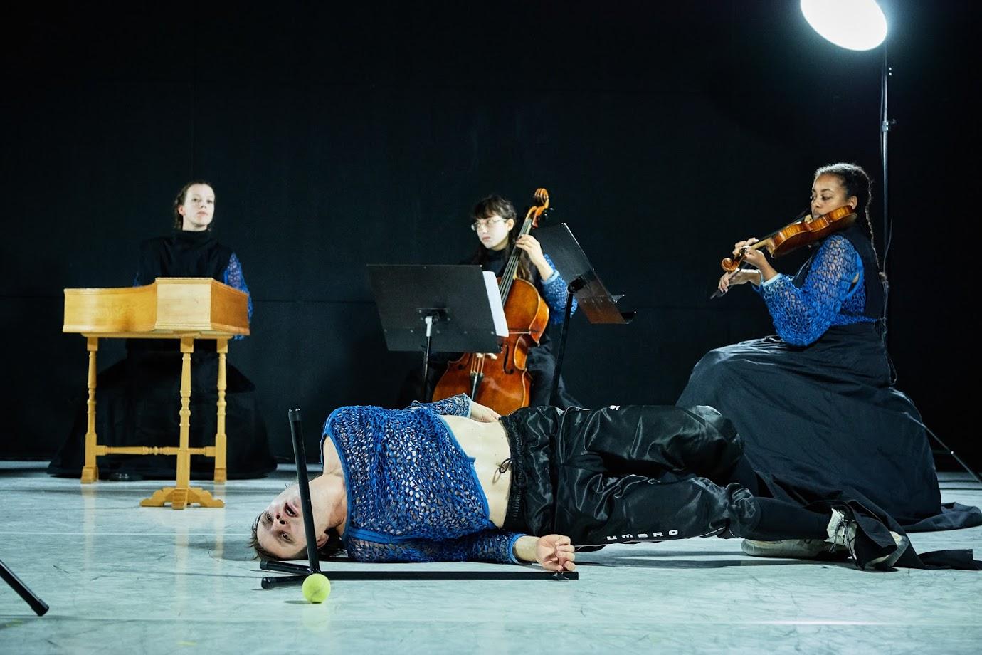 Teaterblik: Mathias Monrad Møller: The Combat