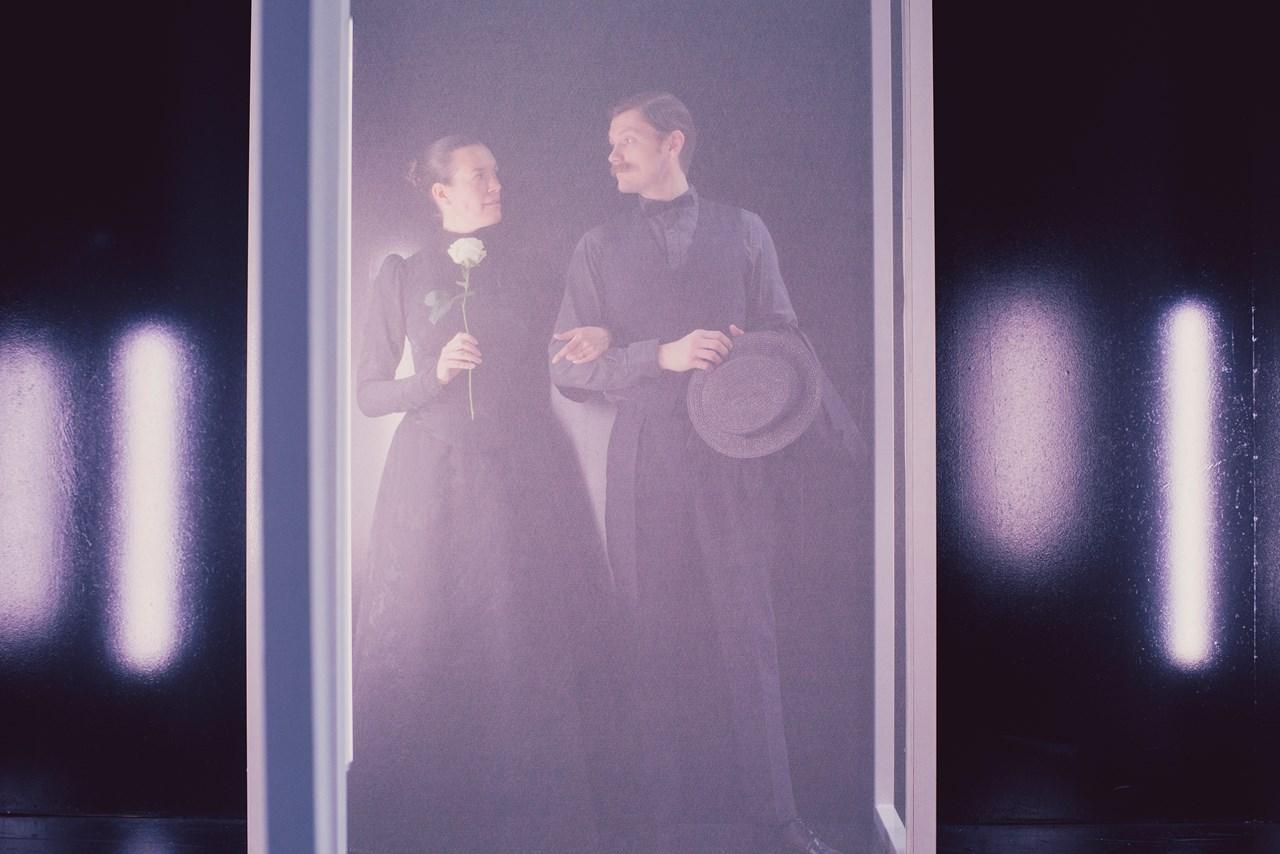 Anmeldelse: Kærlighedens forrykte former, Aarhus Teater