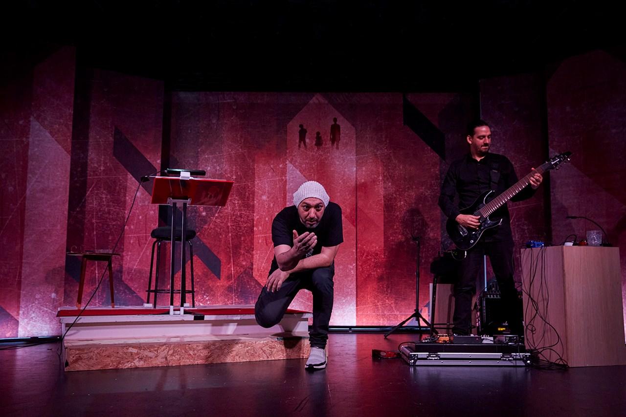 Anmeldelse: Rottweiler, Aarhus Teater (Opgang2 Turnéteater)