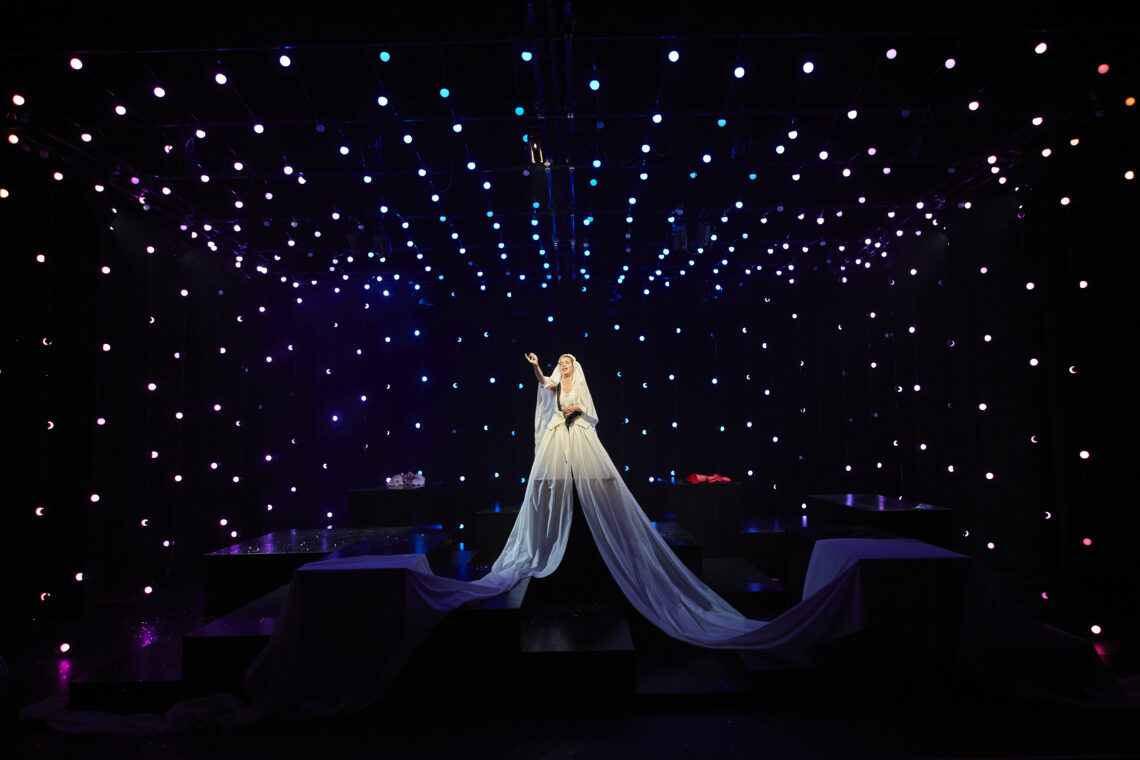Anmeldelse: Romeo + Julie, Teater V (Teatret Møllen)