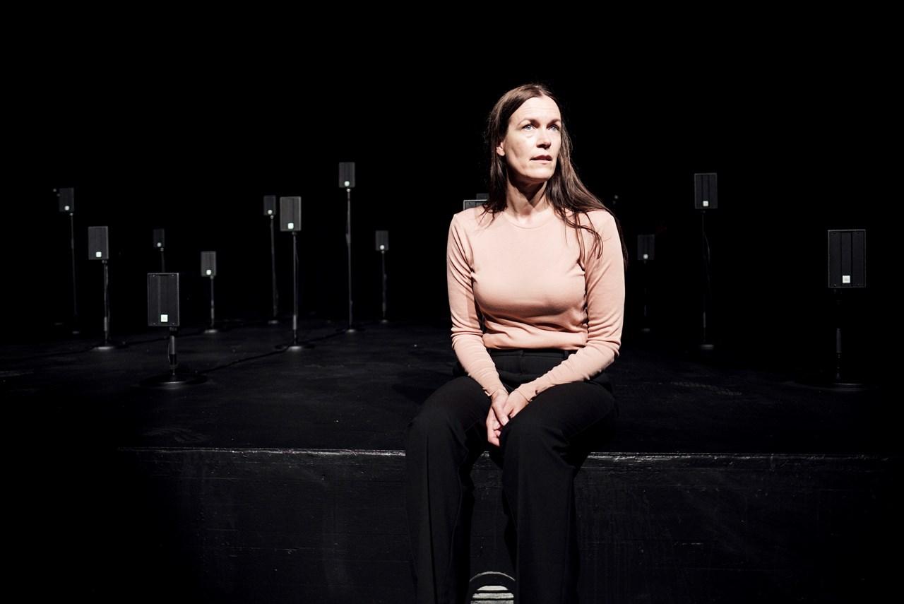 Anmeldelse: Girls & Boys, Aarhus Teater